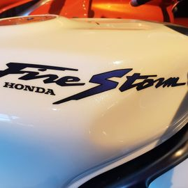Honda VTR firestorm white pearl blue candy 3
