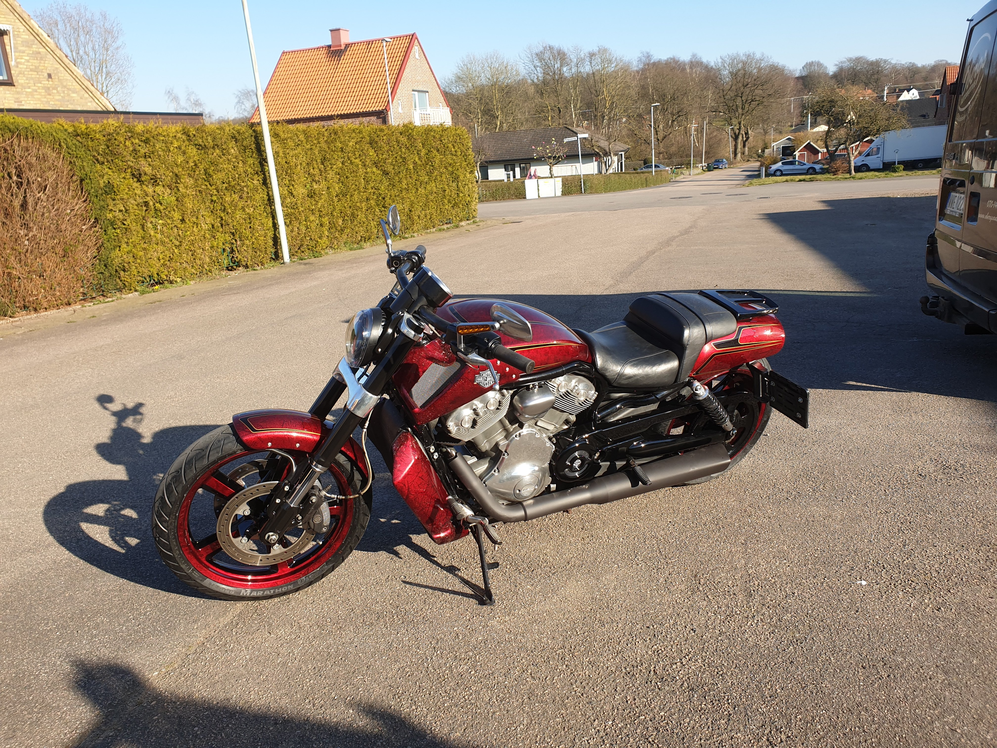 Harley Davidson Muscle gold scallops red candy marble 60