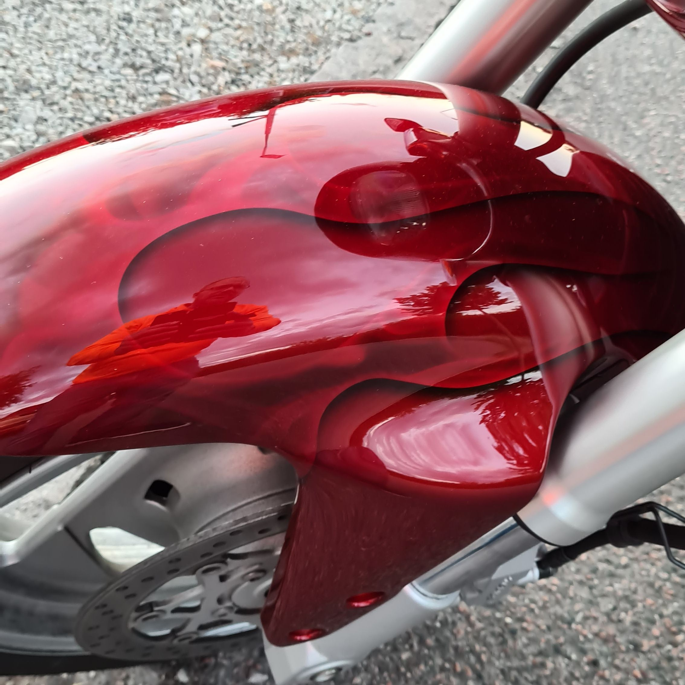 Suzuki Intruder m1800r red candy ghost classic flames 13