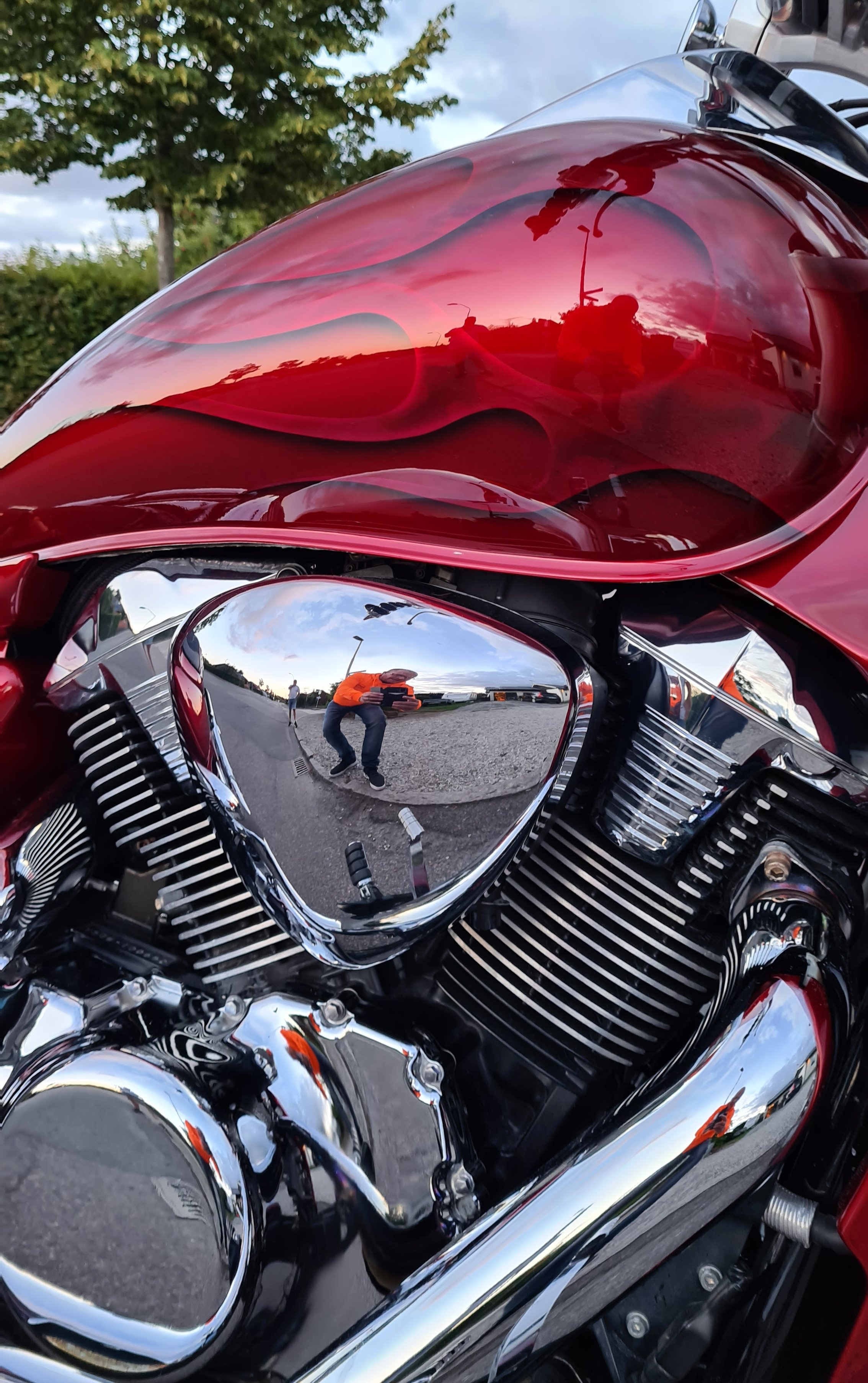 Suzuki Intruder m1800r red candy ghost classic flames 8