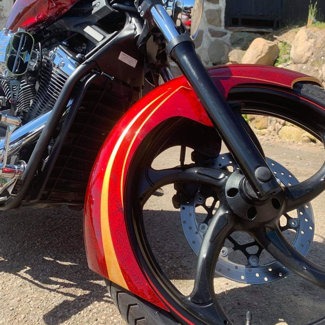 Yamaha Stryker 1300 gold stripes red marble candy 4