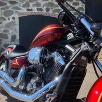 Yamaha Stryker 1300 gold stripes red marble candy 8