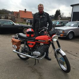 Zündapp KS 125 orange black stripe 12