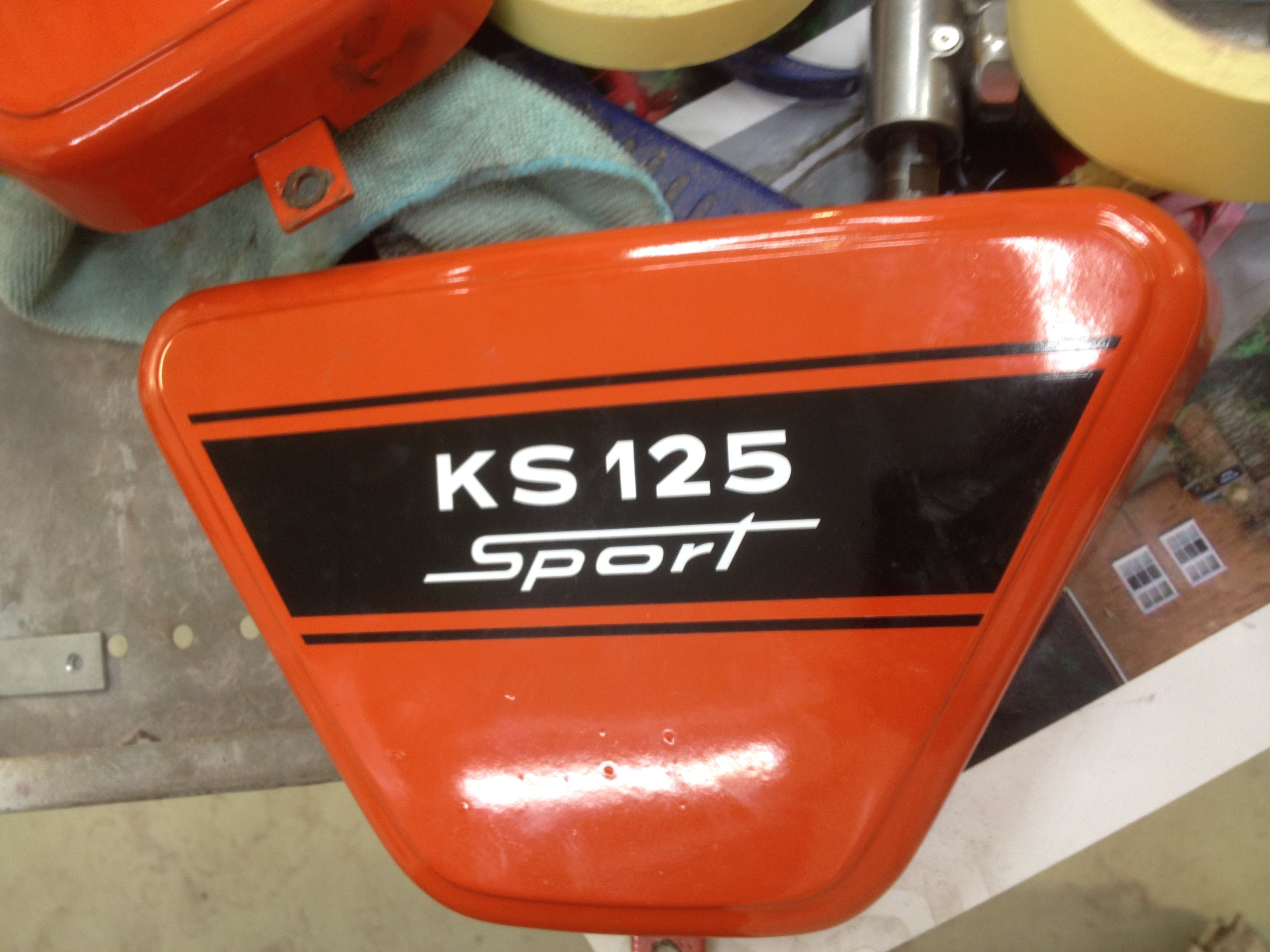 Zündapp KS 125 orange black stripe 26