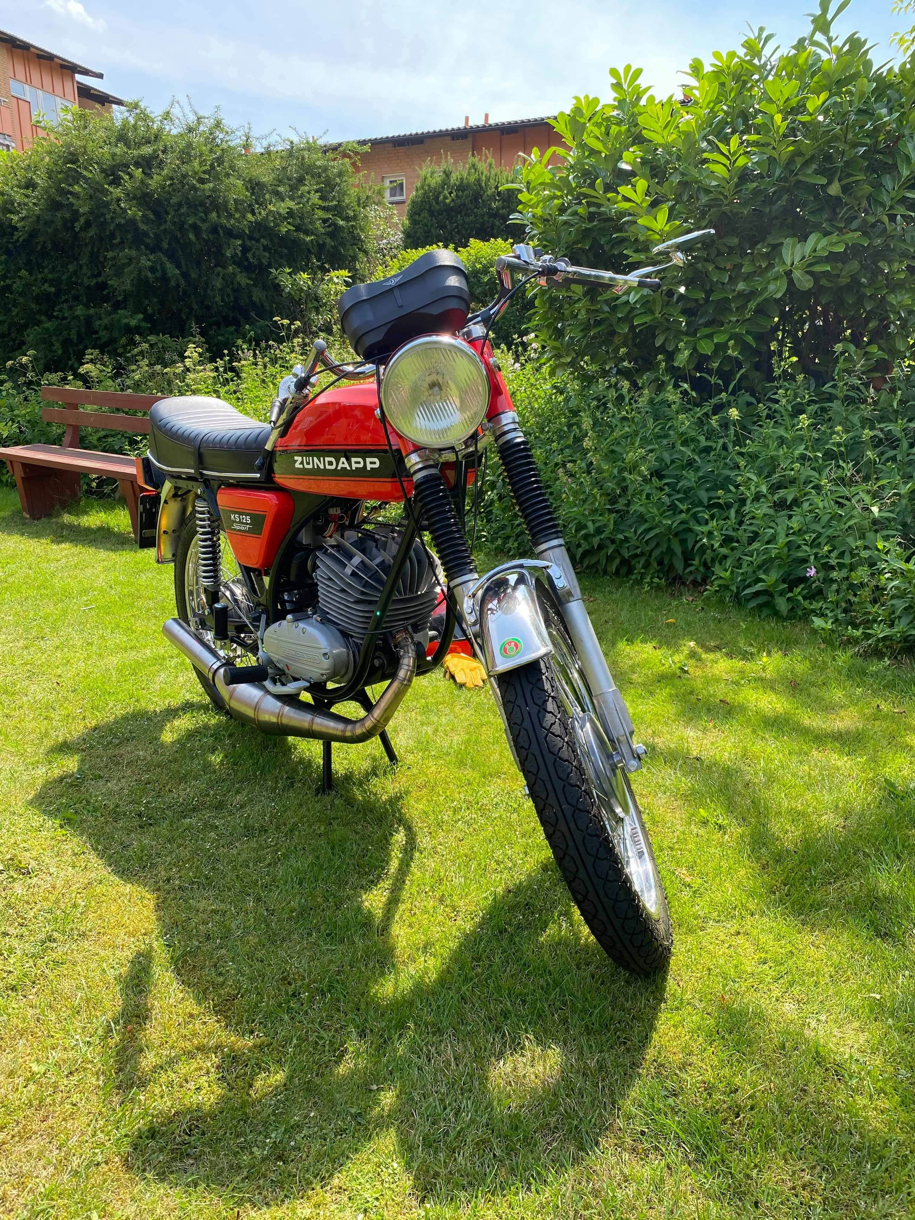 Zündapp KS 125 orange black stripe 5